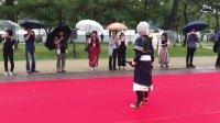 昨日今日と京まふが開催されていましたが、平安神宮前の岡崎レッドカーペットでは刀剣乱舞の演舞が行われていました。残念ながら